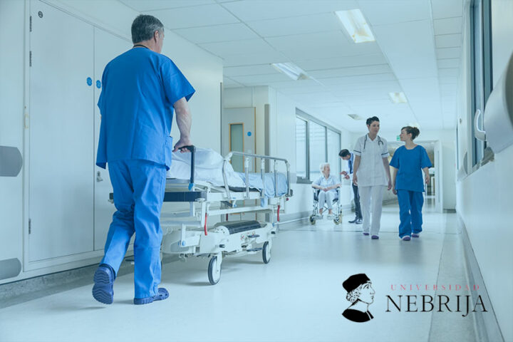 El-papel-del-celador-en-hospitalizacion
